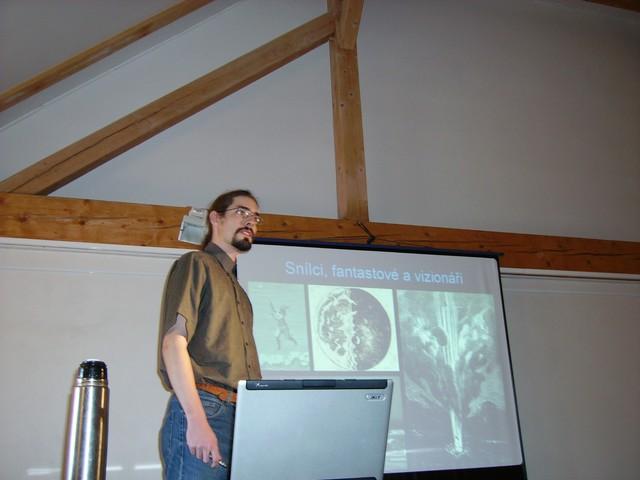J. Kousal při své přednášce